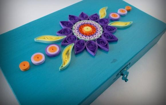 Ξύλινο Ρηχό Κουτί με Λουλούδι